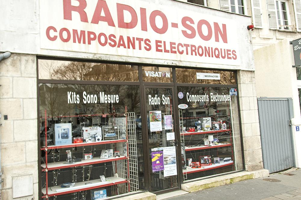 les-halles-de-tours_commercants-cinquaillerie-radioson-background-service-2